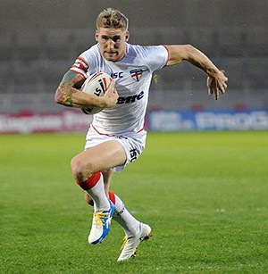 Sam Tomkins in action for England. ©RLphotos.com