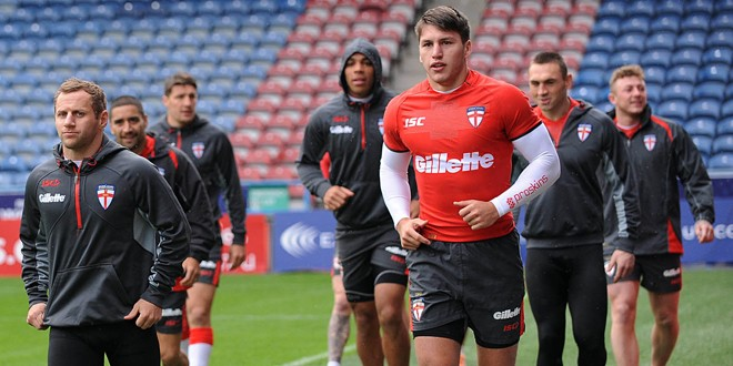 Video: England team work out in the gym
