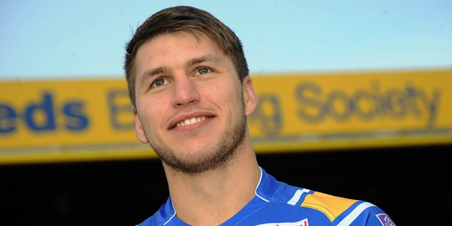 """Hall is """"incredible"""", says Rhinos winger Tom Briscoe"""