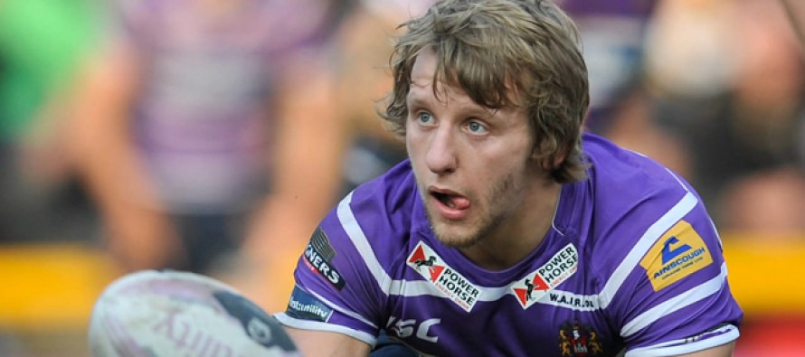Logan Tomkins joins Salford in loan swoop