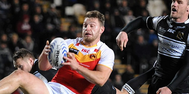 Elliot-Whitehead-Catalan-Hull-FC