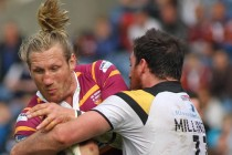 Eorl Crabtree commits to Huddersfield
