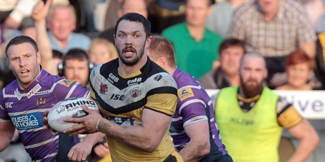 Frankie Mariano signs new contract at Castleford Tigers