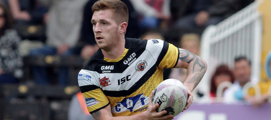 "Hull FC sign Marc Sneyd for ""substantial fee"""