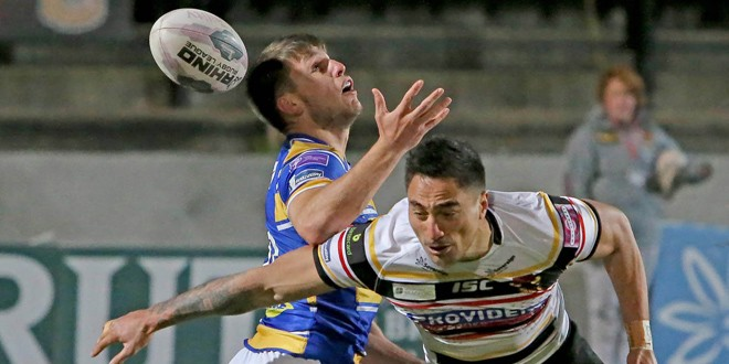 Henry signs new deal at Bradford