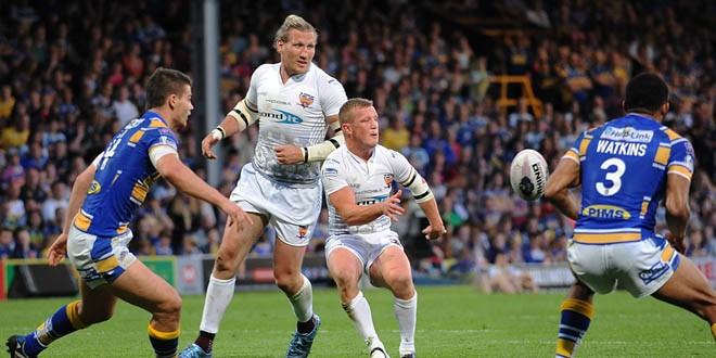 Giants hold on to beat Rhinos