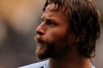 Wolves sign Fiji international Sims
