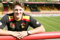 Bradford sign Ryan Shaw