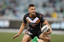 Hitchcox agrees new two-year deal with Castleford