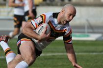 London announce signing of Bradford captain Adrian Purtell