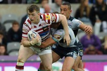 Widnes complete Farrell loan deal
