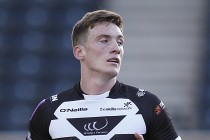 Tom Gilmore signs new deal with Widnes