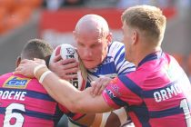 Featherstone set to snare Moore from Batley's grasp