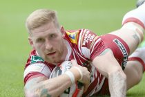 "Tomkins has ""been in a shocking place,"" says Wane as he prepares for comeback"