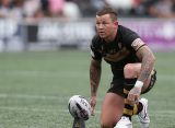 Todd Carney signs for Salford