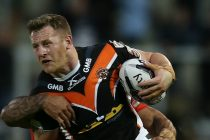 Patrick leaves Cas for Leigh switch