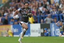Former Castleford winger Denny Solomona opts to play rugby union for England