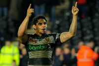 Hull prepare for contract talks with Kelly