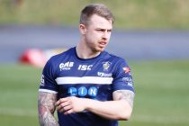 Dewsbury land Featherstone forward