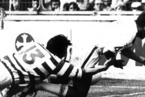 30 years on from John Pendlebury's try-saving tackle, was it better than Houghton's 'tackle 52'?