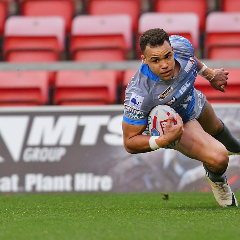 4 Year Old Rugby Boots: Caton-Brown Haunts Old Club As Wakefield Edge Salford In