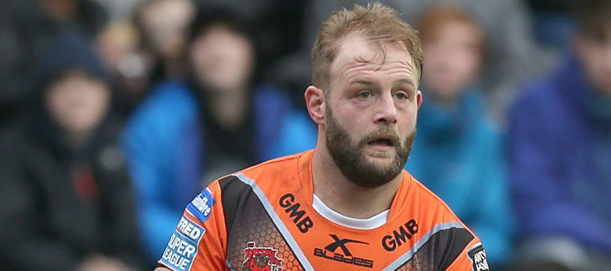McShane signs new long-term deal at Castleford