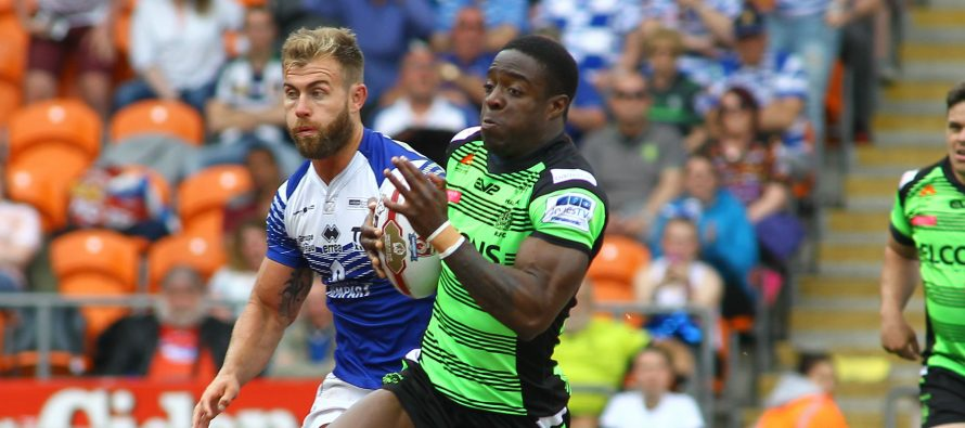 Dewsbury land former Fax ace in double swoop