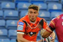 Wakefield and Castleford reveal squads ahead of West Yorkshire derby