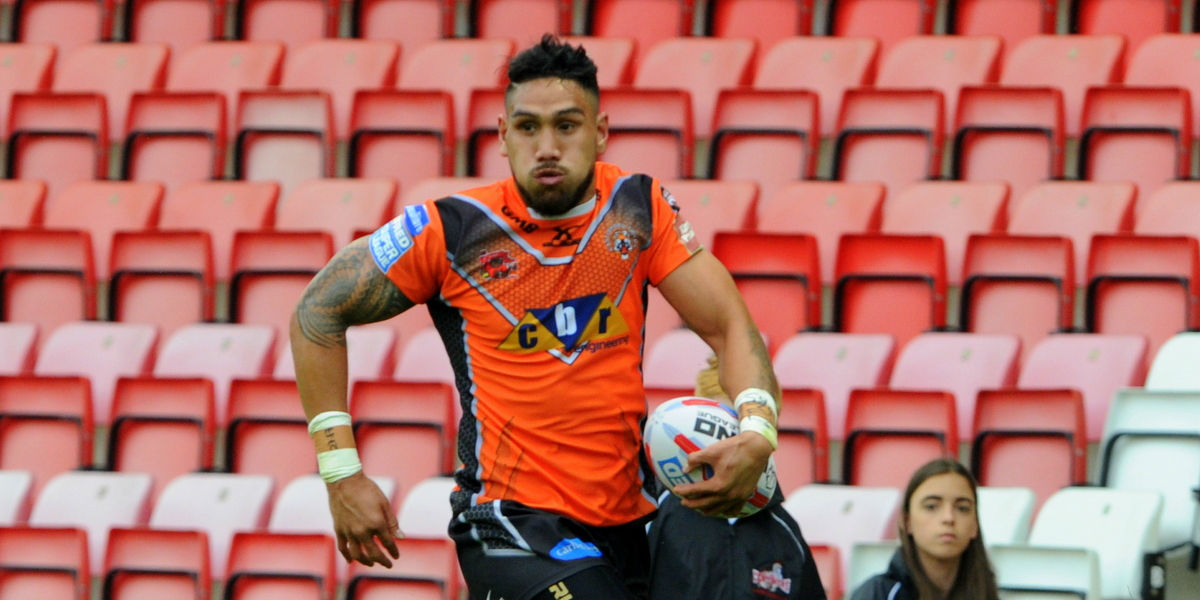 Jesse Sene-Lefao issues come and get me plea to Castleford