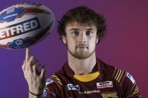 Bradford land Huddersfield youngster on loan