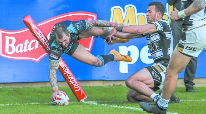 Rhinos sign Featherstone star Briscoe on loan